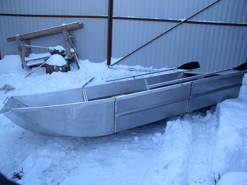 Разборная алюминиевая лодка. Вид сбоку.