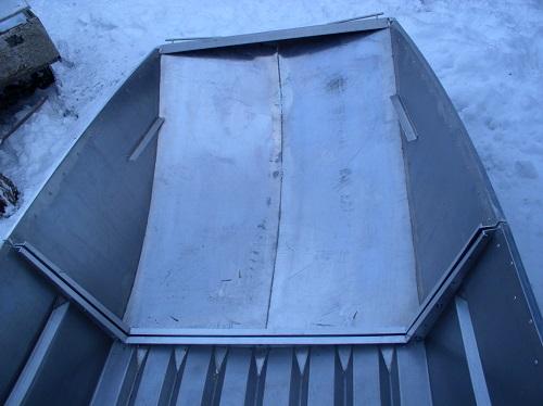 Разборная алюминиевая лодка. Носовая часть.