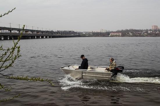 Ещё одна лодка от Чопорова А. И. Глиссирующий катамаран!