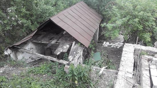 Домик в деревне. Проект дома, строители, пепелище и участок