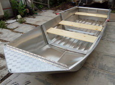 Алюминиевая лодка под мотор до 15 сил. 4 метра и 50 кг веса!
