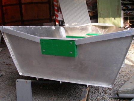 Алюминиевая лодка (корма)